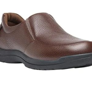 Propet Men's Cruz II Slip On Grain Leather Sealtex